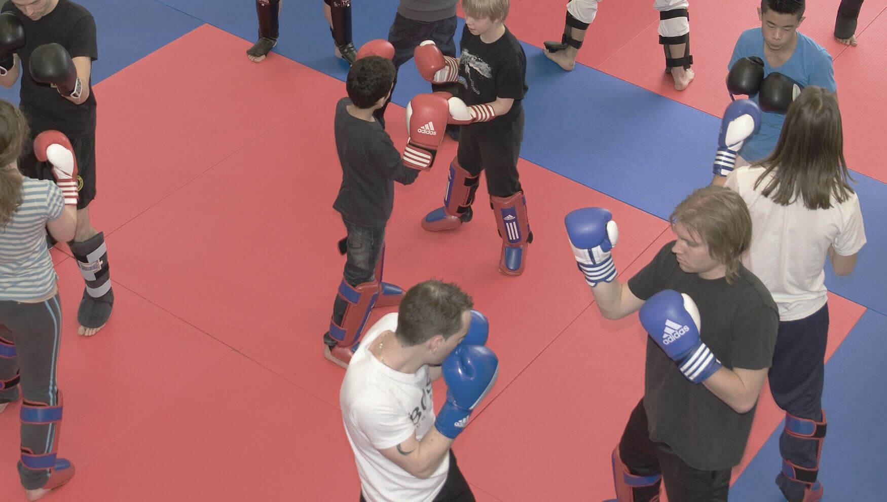 entertainmens-kickbox-clinic