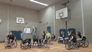 entertainmens-rolstoelbasketbal-clinic