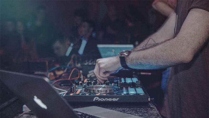 entertainmens-dj-show