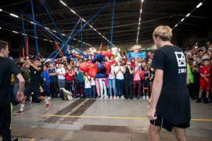 Freerunning-act-bij-Krajicek-Tournament-Day