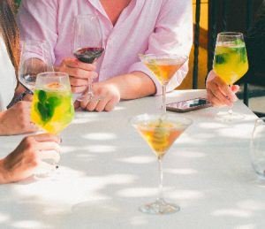 Cocktail-workshop-met-collega's